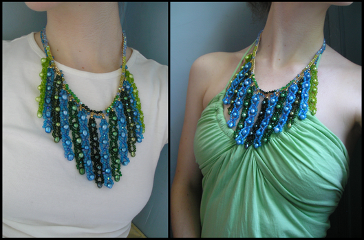 Mossy Lagoon necklace worn by HeddaLee
