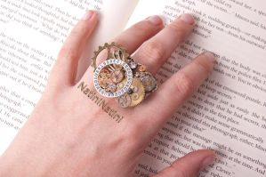 Steampunk butterfly ring by Natini
