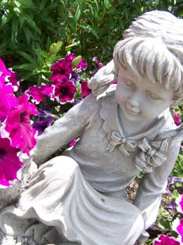 Little Girl Statue by flamingpig