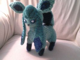 Glaceon Crocheted by Kitorahoshi