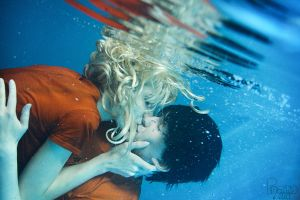 Percabeth UnderwaterKiss - Percy Jackson by CosplaySymphony