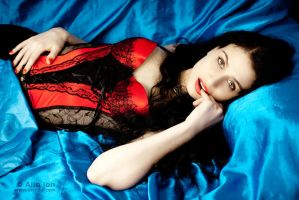 Red Temptation by alyn3d