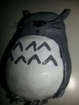 Totoro sculpture by killerkeji