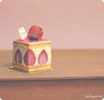 Miniature Strawberry Petit Cake - One Third Scale by Aiclay