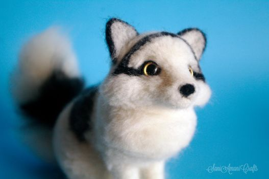 Needle felted marble fox by SaniAmaniCrafts