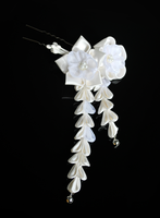 Wedding White Kanzashi by hanatsukuri