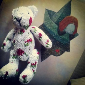 Roses knitted bear by fayettedream