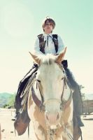 I'M ON A HORSE by Spwinkles