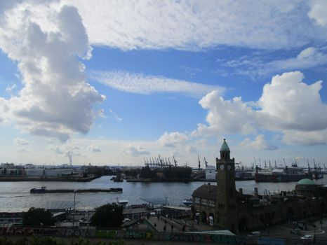 The harbour front in September by Fredkaluppke